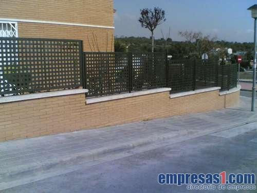 Cierres metalicos avila sl calafell segur de calafell - Vallas exteriores para casas ...